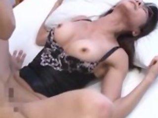 Oriental housewife veld top enjoys intense pussy pounding
