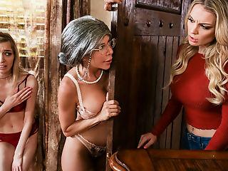 Mrs. Doubtfucker: A Mrs. Doubtfire Parody, Scene #01