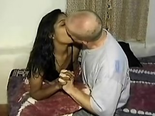 Mumbai college BBC floozy seducing white traveler in ...