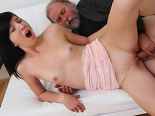 Alisa gets to learn how top drag inflate cock properly unfamiliar her old guy