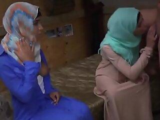 Arab teen Make believe Pussy Run!