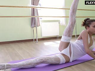 Inrcedibly hot gymnast Inessa