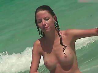 Topless Broad in the beam Boobs Loll