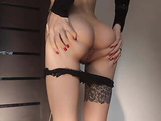 Schoolgirl Show Perfect Butt before of a Cram Disco