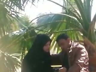 In trouble Paki Naqab Girl With Christian BF In Park