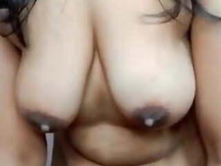 Desi aunty removing bra