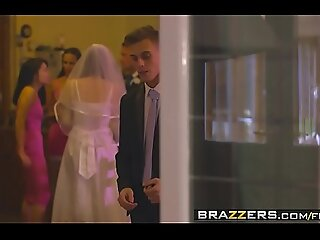 Brazzers - Mommys holding sway - (Chris Diamond) - An Open Disposed Coalition