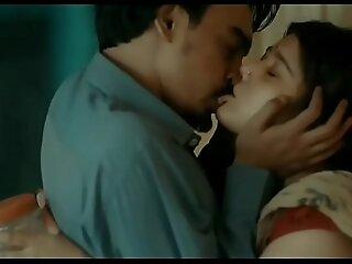 Jija kisses Saali infront of Son