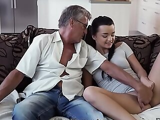 DADDY4K. Boyfriend is busy so why mollycoddle has sex with his old framer