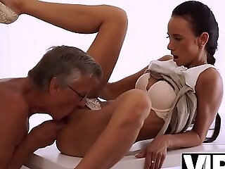 VIP4K. Babe has a crush exposed to say no to mature boss and wants sexual connection with him