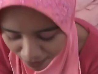 我暨骗子阿拉伯妻子的头巾