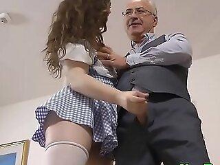 Amateur playgirl engulfing