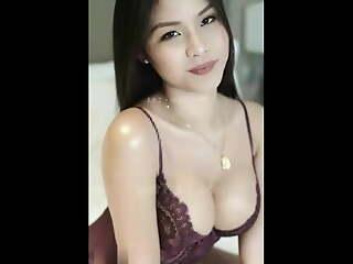 Viral yummy Asian model