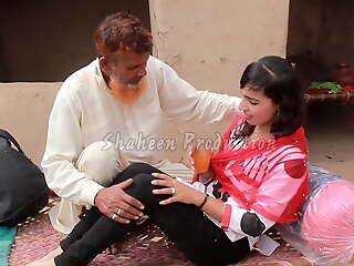 Desi Tharki Baba Aur Bima Policy Wali Lark hot video 2021