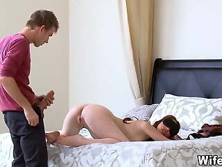 Blindfolded wife gets a hot surprise