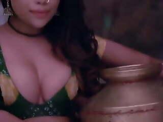 Video ki shooting karne aaye actor ne desi girl ko choda