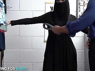 Beauty Muslim Teen Steals Lingerie Got Anal Fucked