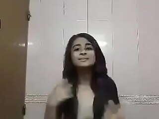 Deshi teen show her boobs