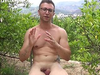 Entrevista sexual a un chico joven para Pornoeducativo