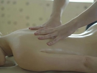 Fretting Her The Right Way -  Evelina Darling - Trickymasseur