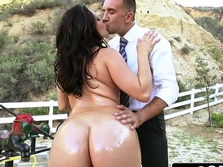 Big Ass School-Girl Gracie Glam Gives Straner a Nice Sloppy Deepthroat Blowjob